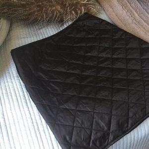 United Colors of Benetton black pleated skirt